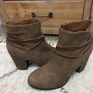 Brown ankle booties (size 9)